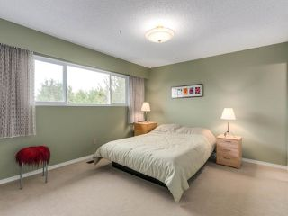 Photo 7: 11611 98A Avenue in Surrey: Royal Heights House for sale (North Surrey)  : MLS®# R2213451