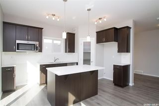 Photo 3: 415 Childers Way in Saskatoon: Kensington Residential for sale : MLS®# SK709879