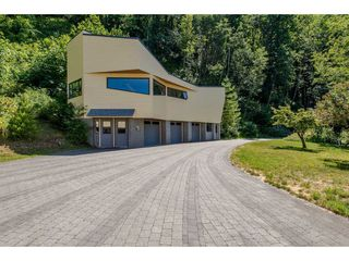Photo 17: 43150 OLD ORCHARD Road in Chilliwack: Chilliwack Mountain House for sale : MLS®# R2226234
