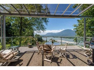 Photo 2: 43150 OLD ORCHARD Road in Chilliwack: Chilliwack Mountain House for sale : MLS®# R2226234