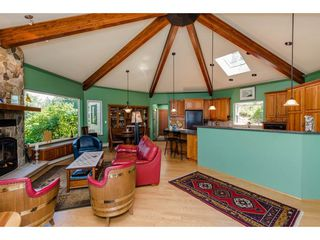 Photo 3: 43150 OLD ORCHARD Road in Chilliwack: Chilliwack Mountain House for sale : MLS®# R2226234