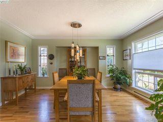 Photo 2: 4570 Viewmont Avenue in VICTORIA: SW Royal Oak Single Family Detached for sale (Saanich West)  : MLS®# 386036