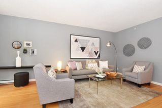 Photo 3: 318 SMITHE STREET in Vancouver: Yaletown Townhouse for sale (Vancouver West)  : MLS®# R2223996