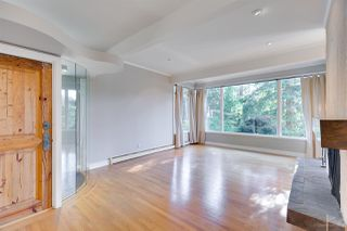 Photo 2: 3841 BAYRIDGE Avenue in West Vancouver: Bayridge House for sale : MLS®# R2232684