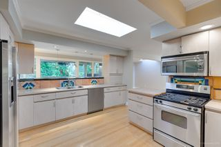 Photo 4: 3841 BAYRIDGE Avenue in West Vancouver: Bayridge House for sale : MLS®# R2232684