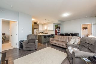 "Photo 3: 4006 3080 LINCOLN Avenue in Coquitlam: North Coquitlam Condo for sale in ""1123 Westwood"" : MLS®# R2234588"