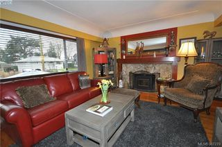 Photo 4: 1288 Tattersall Dr in VICTORIA: SE Cedar Hill Single Family Detached for sale (Saanich East)  : MLS®# 778179