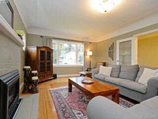 Photo 3: 700 Cowper Street in VICTORIA: SW Gorge Single Family Detached for sale (Saanich West)  : MLS®# 389551
