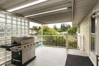 Photo 2: 17775 59A Avenue in Surrey: Cloverdale BC House 1/2 Duplex for sale (Cloverdale)  : MLS®# R2305485