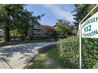 "Photo 2: 109 932 ROBINSON Street in Coquitlam: Coquitlam West Condo for sale in ""THE SHAUGHNESSY"" : MLS®# R2313900"