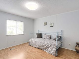 "Photo 15: 162 145 KING EDWARD Street in Coquitlam: Central Coquitlam Manufactured Home for sale in ""MILL CREEK PARK"" : MLS®# R2313988"