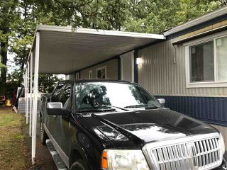 """Photo 2: 33 6571 KING GEORGE Boulevard in Surrey: West Newton Manufactured Home for sale in """"Newton Park"""" : MLS®# R2328586"""