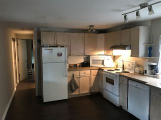 """Photo 3: 33 6571 KING GEORGE Boulevard in Surrey: West Newton Manufactured Home for sale in """"Newton Park"""" : MLS®# R2328586"""