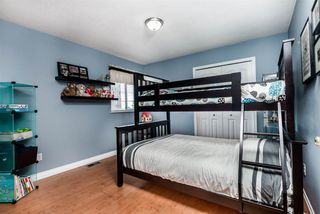 Photo 15: 5923 188 Street in Surrey: Cloverdale BC House for sale (Cloverdale)  : MLS®# R2336590