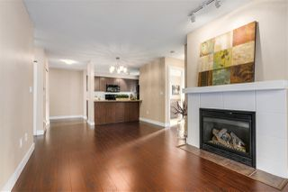 "Photo 4: 204 3250 ST JOHNS Street in Port Moody: Port Moody Centre Condo for sale in ""The SQUARE"" : MLS®# R2338954"
