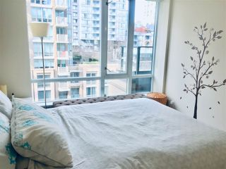 "Photo 13: 710 1088 RICHARDS Street in Vancouver: Yaletown Condo for sale in ""Richards Living"" (Vancouver West)  : MLS®# R2349020"