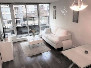 "Photo 2: 710 1088 RICHARDS Street in Vancouver: Yaletown Condo for sale in ""Richards Living"" (Vancouver West)  : MLS®# R2349020"