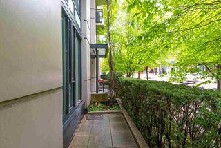 "Photo 15: 388 SMITHE Street in Vancouver: Yaletown Townhouse for sale in ""YALETOWN PARK"" (Vancouver West)  : MLS®# R2361478"