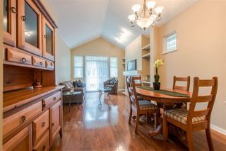 """Photo 4: 29 2588 152 Street in Surrey: King George Corridor Townhouse for sale in """"WOODGROVE"""" (South Surrey White Rock)  : MLS®# R2376781"""