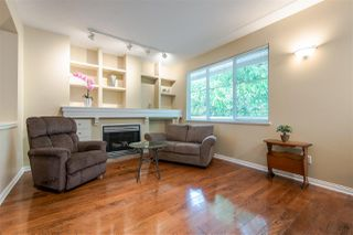 """Photo 5: 29 2588 152 Street in Surrey: King George Corridor Townhouse for sale in """"WOODGROVE"""" (South Surrey White Rock)  : MLS®# R2376781"""