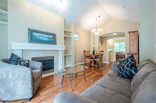 """Photo 3: 29 2588 152 Street in Surrey: King George Corridor Townhouse for sale in """"WOODGROVE"""" (South Surrey White Rock)  : MLS®# R2376781"""