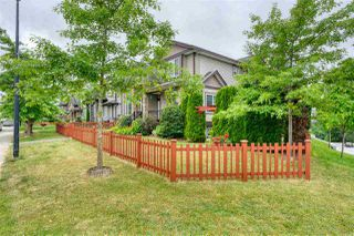 Photo 2: 10393 ROBERTSON Street in Maple Ridge: Albion House for sale : MLS®# R2387696