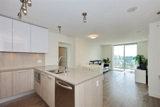 "Photo 7: 2502 3007 GLEN Drive in Coquitlam: North Coquitlam Condo for sale in ""Evergreen"" : MLS®# R2389564"