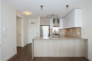 "Photo 9: 2502 3007 GLEN Drive in Coquitlam: North Coquitlam Condo for sale in ""Evergreen"" : MLS®# R2389564"
