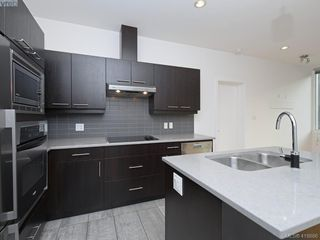 Photo 2: 404 732 Broughton Street in VICTORIA: Vi Downtown Condo Apartment for sale (Victoria)  : MLS®# 418886