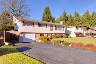 Photo 2: 3303 NORFOLK Street in Port Coquitlam: Lincoln Park PQ House for sale : MLS®# R2426729