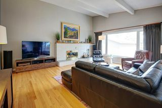 Photo 3: 1036 78 Avenue SW in Calgary: Chinook Park Detached for sale : MLS®# C4299058