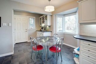 Photo 8: 1036 78 Avenue SW in Calgary: Chinook Park Detached for sale : MLS®# C4299058