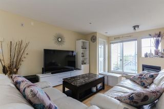 Photo 4: 202 2973 KINGSWAY STREET in Vancouver: Collingwood VE Condo for sale (Vancouver East)  : MLS®# R2436558