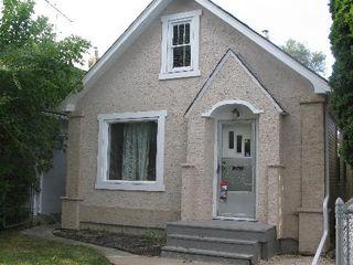 Main Photo: 260 MARTIN Avenue West in Winnipeg: Residential for sale (Elmwood)  : MLS®# 1119108