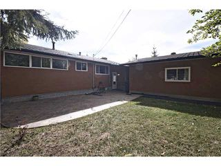 Photo 20: 2112 LANGRIVILLE Drive SW in CALGARY: North Glenmore Residential Detached Single Family for sale (Calgary)  : MLS®# C3587862