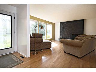 Photo 2: 2112 LANGRIVILLE Drive SW in CALGARY: North Glenmore Residential Detached Single Family for sale (Calgary)  : MLS®# C3587862