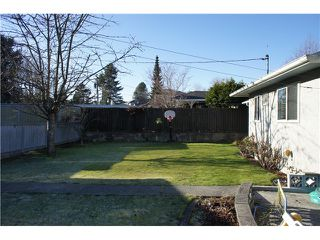 Photo 6: 4376 PINEWOOD Crescent in Burnaby: Garden Village House for sale (Burnaby South)  : MLS®# V1037956