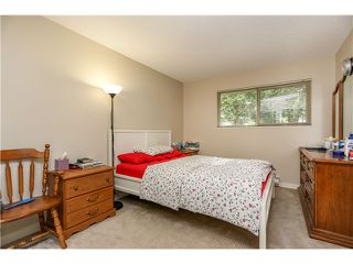 "Photo 9: 10531 HOLLY PARK LN in Surrey: Guildford Townhouse for sale in ""HOLLY PARK"" (North Surrey)  : MLS®# F1404080"