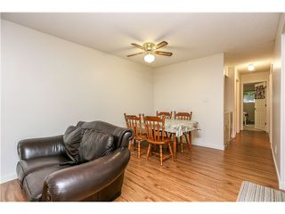 "Photo 5: 10531 HOLLY PARK LN in Surrey: Guildford Townhouse for sale in ""HOLLY PARK"" (North Surrey)  : MLS®# F1404080"
