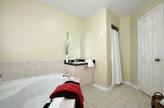 Photo 3: 1 Howling Crest in Ajax: South East House (2-Storey) for sale : MLS®# E3044828