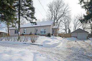 Photo 1: 726 Mohawk Road in Hamilton: Ancaster House (1 1/2 Storey) for sale : MLS®# X3112460