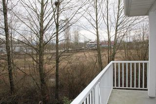 "Photo 9: 11 5708 208 Street in Langley: Langley City Townhouse for sale in ""Bridle Run"" : MLS®# R2029125"