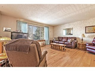 Photo 3: 7603 35 Avenue NW in Calgary: Bowness House  : MLS®# C4049295