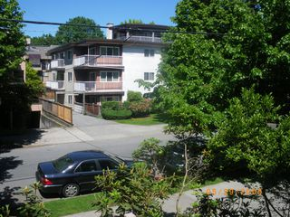 Photo 4: 201 2190 West 8th Ave: Kitsilano Home for sale ()