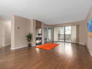 "Photo 2: 203 3191 MOUNTAIN Highway in North Vancouver: Lynn Valley Condo for sale in ""Lynn Terrace II"" : MLS®# R2133788"
