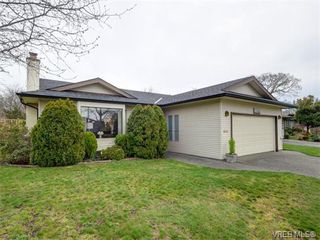 Photo 2: 4077 N Livingstone Ave in VICTORIA: SE Mt Doug Single Family Detached for sale (Saanich East)  : MLS®# 753942