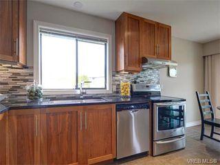 Photo 12: 4077 N Livingstone Ave in VICTORIA: SE Mt Doug Single Family Detached for sale (Saanich East)  : MLS®# 753942