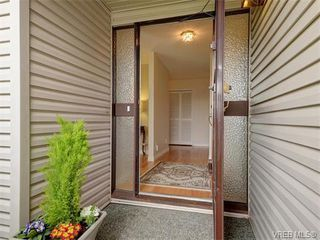 Photo 3: 4077 N Livingstone Ave in VICTORIA: SE Mt Doug Single Family Detached for sale (Saanich East)  : MLS®# 753942