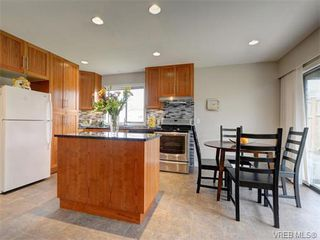Photo 7: 4077 N Livingstone Ave in VICTORIA: SE Mt Doug Single Family Detached for sale (Saanich East)  : MLS®# 753942