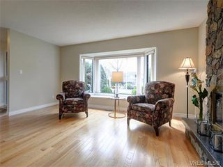 Photo 4: 4077 N Livingstone Ave in VICTORIA: SE Mt Doug Single Family Detached for sale (Saanich East)  : MLS®# 753942